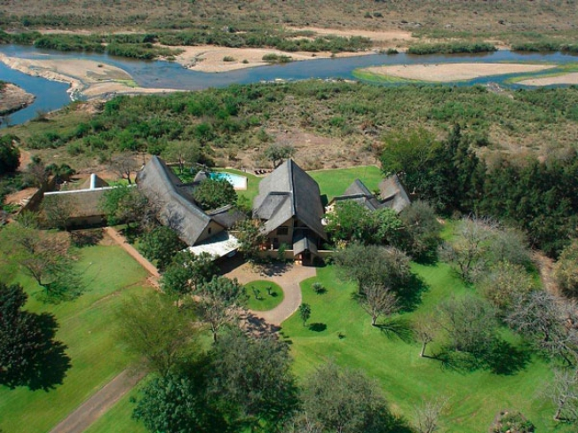 Buckler's Africa Safari Lodge